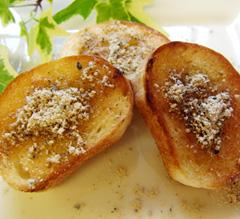 トーストにごまパウダー(ゴマプードル)