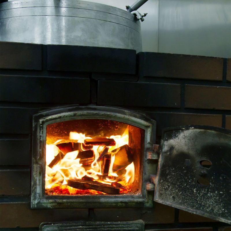 黒胡麻の焙煎窯